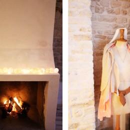 Cheminée dans le salon vous offrant la possibilité de belles flambées & Manequin Stockman