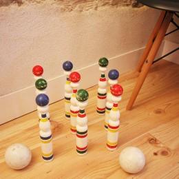 Un jeu de quilles ancien trouvé dans une brocante d'Ars